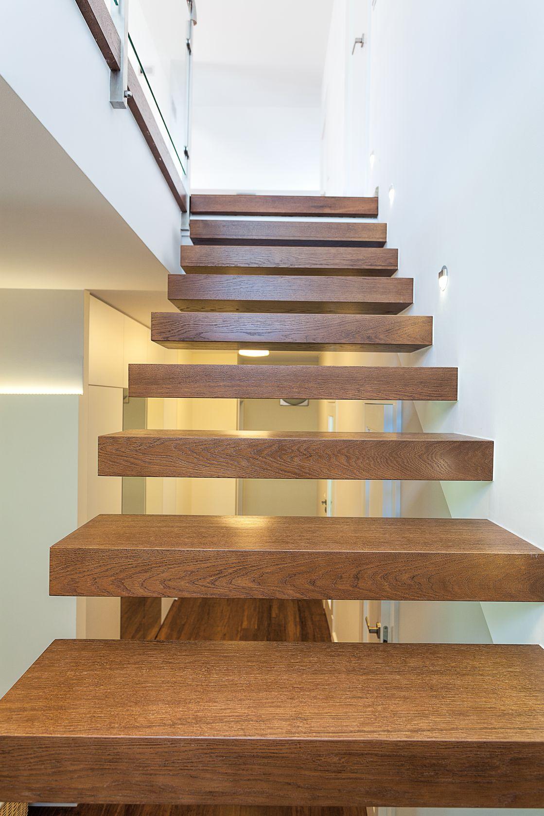 Traprenovatie of een nieuwe trap ontdek hier de kosten for Vaste zoldertrap laten plaatsen