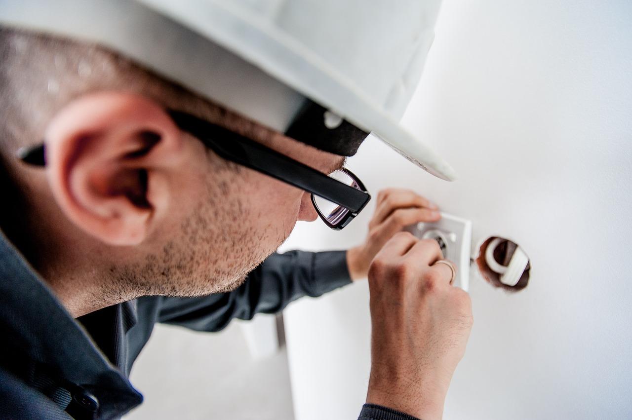 Uurloon elektricien kosten vervangen meterkast en for Uurloon schilder