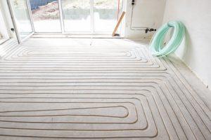 Infrezen van vloerverwarming buizen warm water systeem