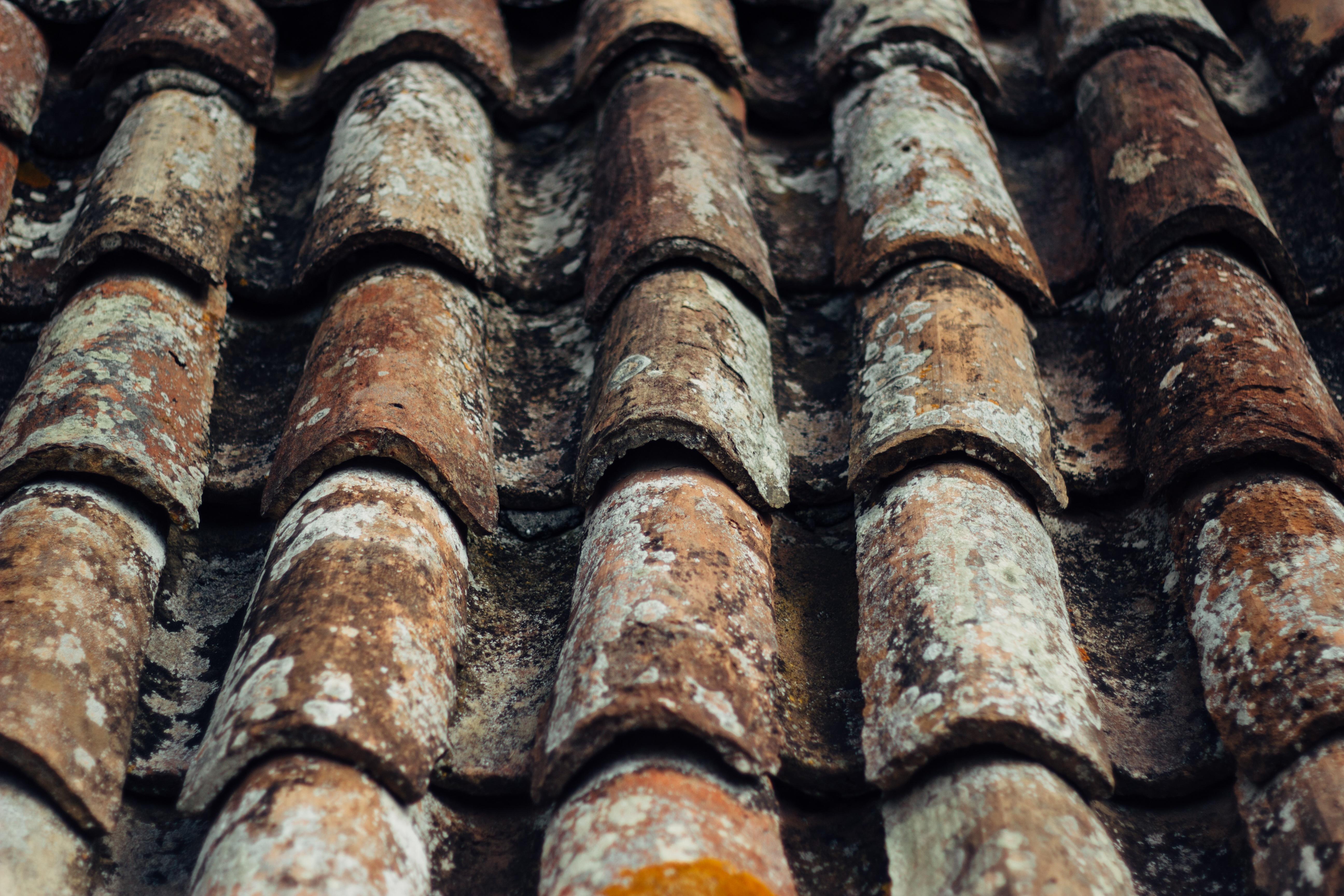 Kosten van een nieuw dak de prijs van dakpannen en dakbedekking